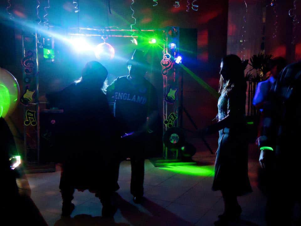 dj-festas-som-iluminacao